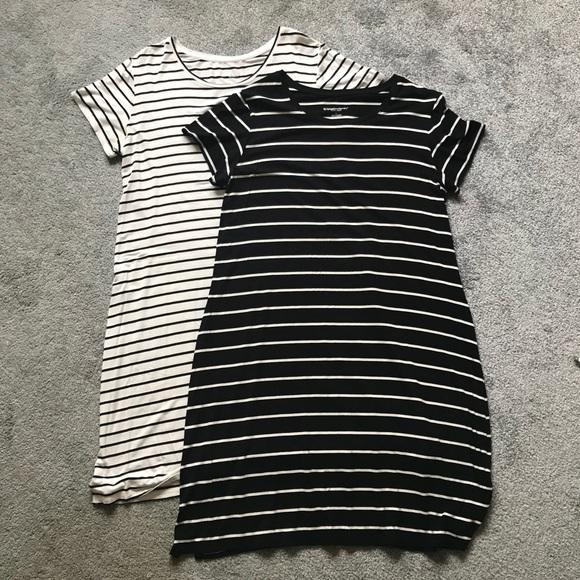 dfaadfc68ab52 Liz Lange for Target Dresses & Skirts - Set of 2 Matrrnity T-Shirt Dresses